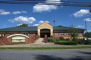 Oakwood Historic District (Hickory, North Carolina) - Oakwood Elementary School