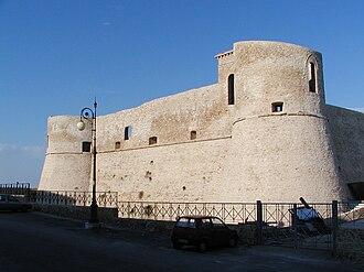 Ortona - Image: Ortona 2005 Castello Aragonese by Ra Boe 01