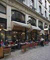 Overzicht winkelpui met terras - 's-Gravenhage - 20335455 - RCE.jpg