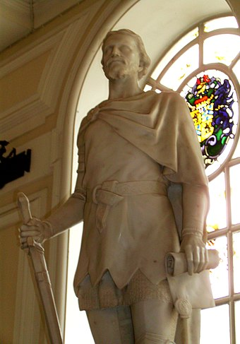 Statue of Owain Glyndwr (c. 1354 or 1359 - c. 1416) at Cardiff City Hall Owain Glyndwr at Cardiff City Hall.jpg