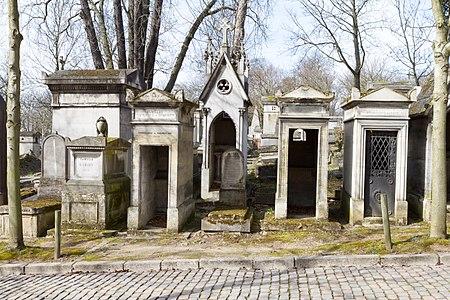 Père-Lachaise - Division 50 - Avenue Saint-Morys 02.jpg