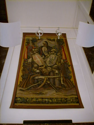 Palazzina Reale di Santa Maria Novella - Tapestry in Presidential Hall with modern armor and weapons