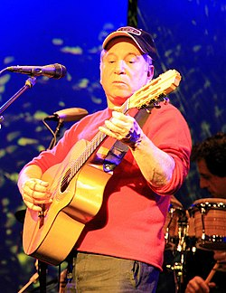 Paul Simon performing March 8, 2007