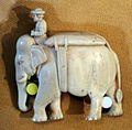 Pedina per gli scacchi a forma di elefante, avorio, india, XVII secolo 01.jpg