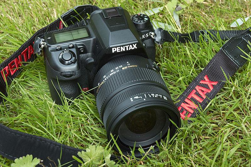 File:Pentax K-5 with Sigma 17-70 Macro OS HSM.jpg