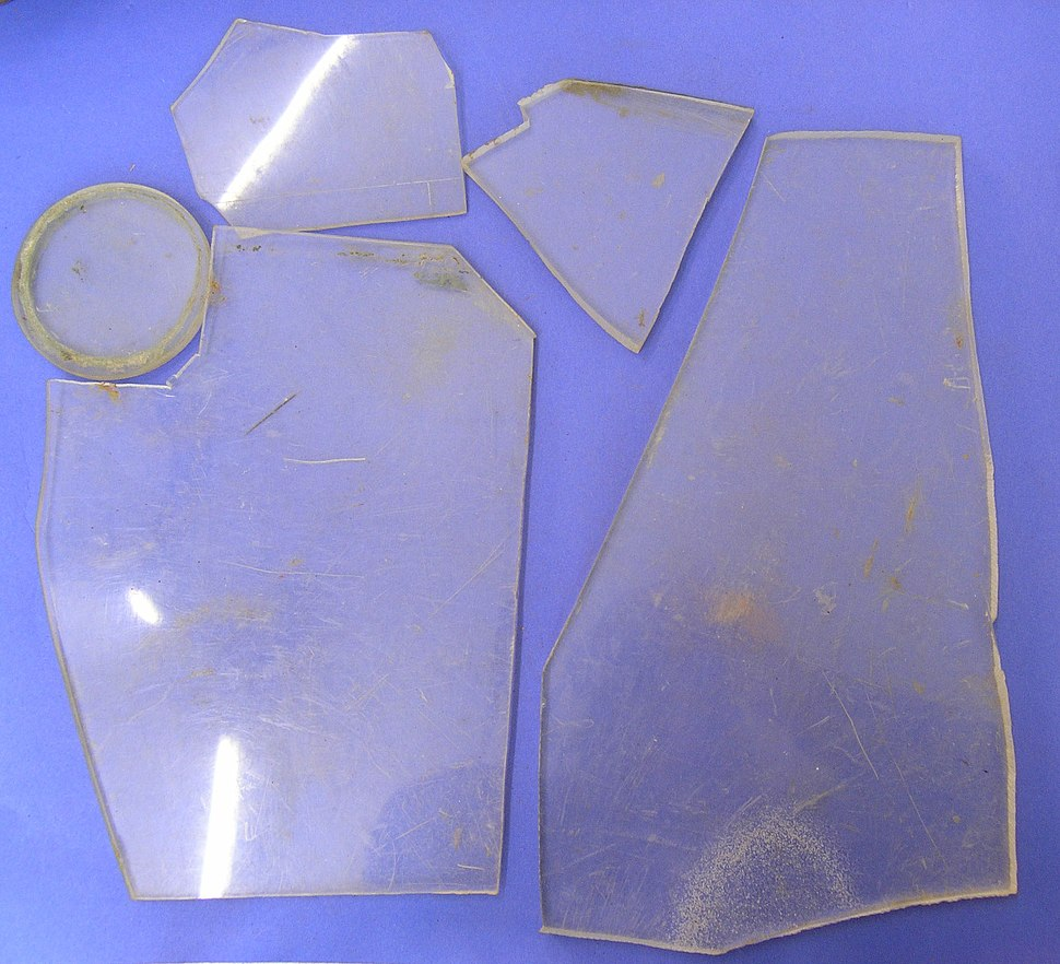 Perspex pieces (AM 2007.10.2-2)