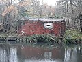 Pillbox by the River Kennet, Woolhampton.jpg