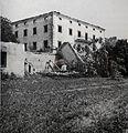 Požgani dvorec Bajnof leta 1943, foto F. Mesesnel.JPG