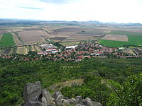 Pohled z Hazmburku, Klapý.JPG