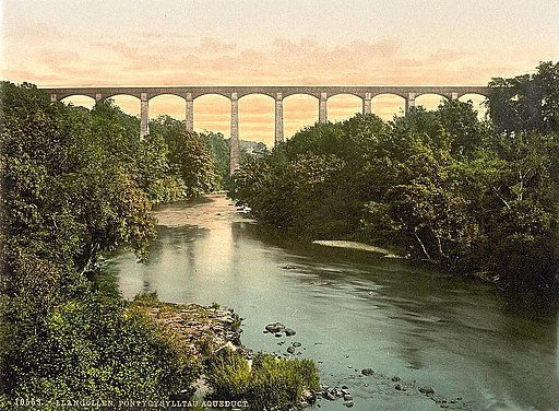 Pontcysyllte Aqueduct.  Author: Library of Congress