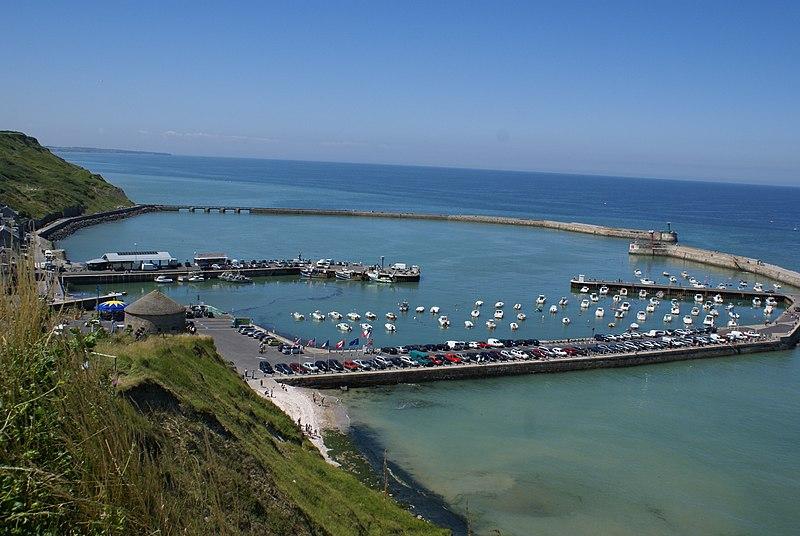 File:Port-en-bessin-huppain bay high-tide.JPG