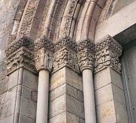 Porta santa Llúcia fris costat esquerre.jpg