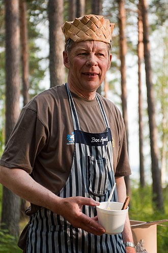 Birch bark - A man with a hat made from birch bark in Hankasalmi, Central Finland