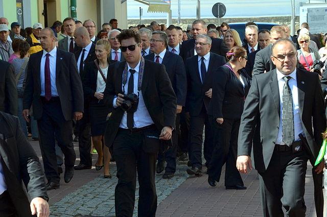 File:Präsident Komorowski zu Besuch in Sanok (2013)-001.JPG ...