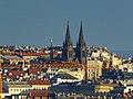 Prag – Blick vom Hradschin auf die Kirche St. Ludmilla - Pohled z Pražského hradu do kostela svaté Ludmily - panoramio.jpg