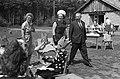 Prinses Beatrix bracht bezoek aan de Marijke-hoeve te Hattem, Bestanddeelnr 914-1548.jpg