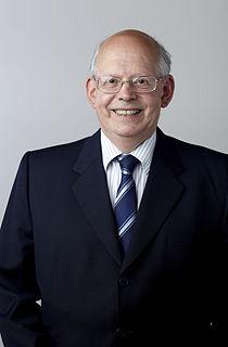 Richard Edwin Hills British astronomer
