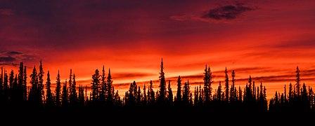 Puesta de sol, Tok, Alaska, Estados Unidos, 2017-08-28, DD 189-191 HDR.jpg
