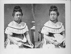 Queen Kapiolani in reception dress, photograph by Menzies Dickson (PP-97-15-008).jpg