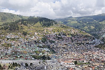 Quito from El Panecillo 01