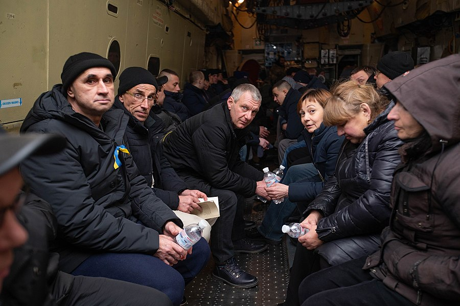 Return of liberated citizens to the territory controlled by Ukraine (2019-12-29) 080.jpg