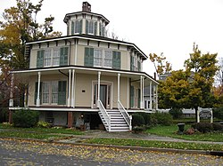 Rich-Twinn Octagon House Oct 09.jpg