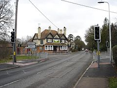 Rising Sun pub Burghfield common.jpg