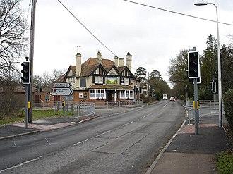 Burghfield - Image: Rising Sun pub Burghfield common