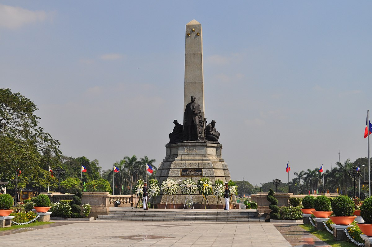the rizal monument The monument of dr jose p rizal is one of the important structures that can be found in plaza divisoria, cagayan de oro city which was being shrouded by modernization and ignorance.