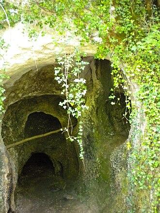 Rochereil - Entrance to Rochereil Cave
