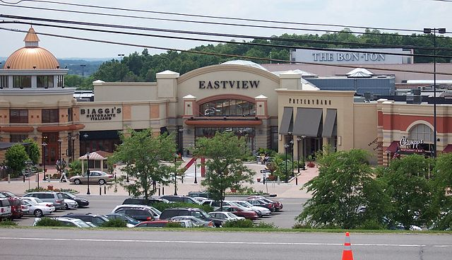 Eastview Mall By Matthew D. Wilson (LtPowers) (Own work) [CC-BY-SA-2.5 (https://creativecommons.org/licenses/by-sa/2.5)], via Wikimedia Commons