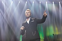 Ronan Keating - 2016330211642 2016-11-25 Night of the Proms - Sven - 1D X II - 0587 - AK8I4923 mod.jpg