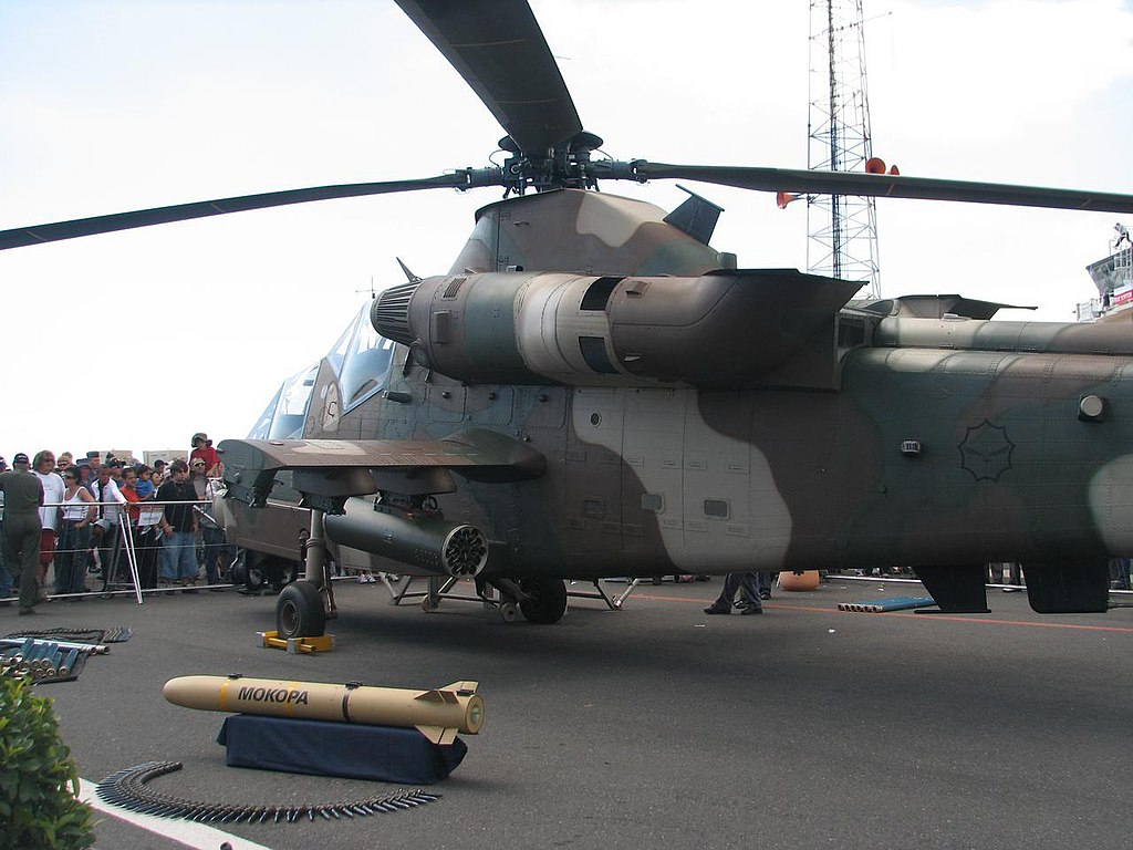 1024px-Rooivalk_Attack_Helicopter_%282%29.jpg