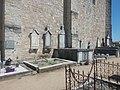 Rosières (Ardèche) - Cimetière - Tombes contre le mur sud de l'église.jpg