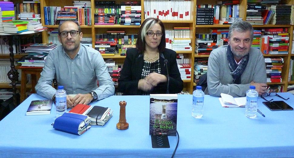 Ramón Rozas, Elena Gallego Abad e Manuel Bragado na presentación de O xogo de Babel, na Librería Paz de Pontevedra o 23/11/2017.