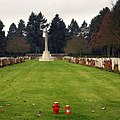 Südfriefhof Köln - Commonwealth cemetery - Hochkreuz (8854-56).jpg