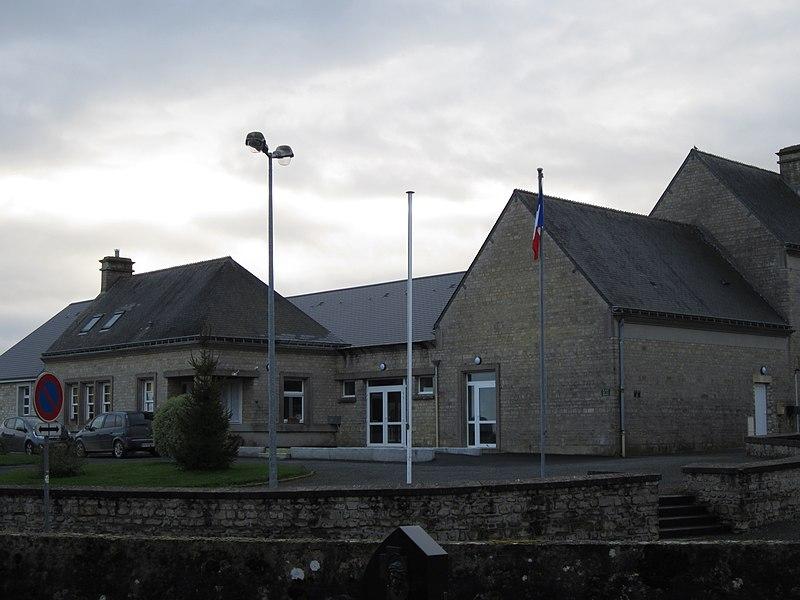 Fr:Saint-Marcouf (Manche)