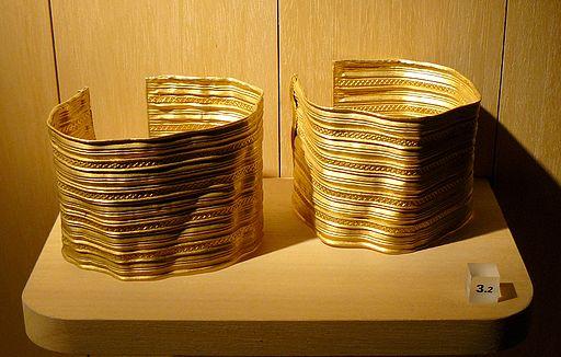 Sainte-Colombe-sur-Seine Bracelets