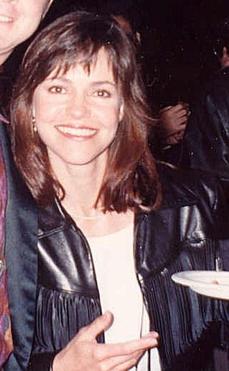 Sally Field - Field at the 1990 Academy Awards ceremony