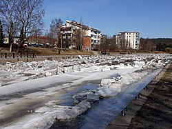 Salonjoki ice breakup.jpg