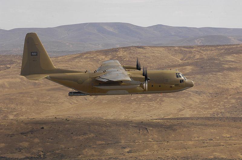 الموسوعه الفوغترافيه لصور القوات الجويه الملكيه السعوديه ( rsaf ) - صفحة 2 800px-Saudi_C-130