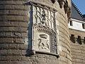 Schloss Nantes - Wappen am Eingang.jpg