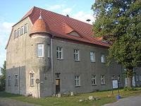 Schloss Pudagla Manor Rekonstruktion Dach August 2014.JPG