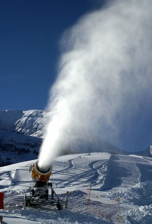 Forced convection - Forced convection by a fan in a snow machine.