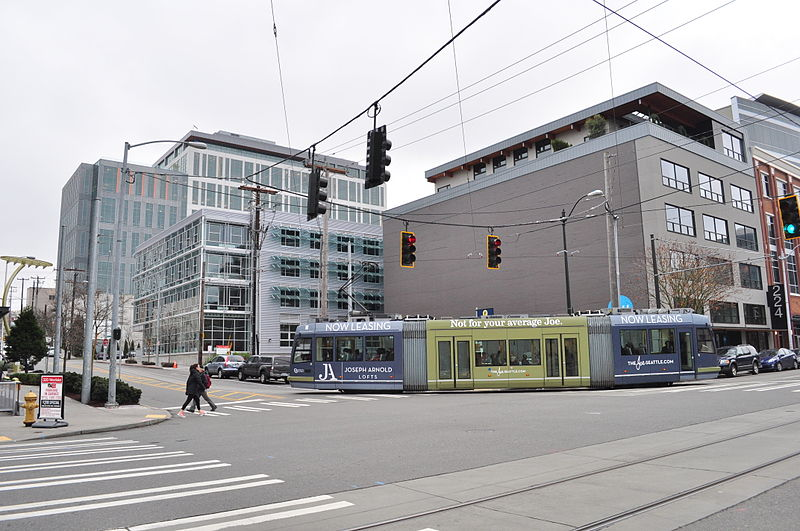 File:Seattle - streetcar at Westlake & Thomas 01.jpg