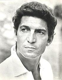 Sergio Franchi 1969 MGM publicity photo.jpg