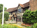 Shakespeare's birthplace, Stratford-upon-Avon (side view) - DSC08945.JPG