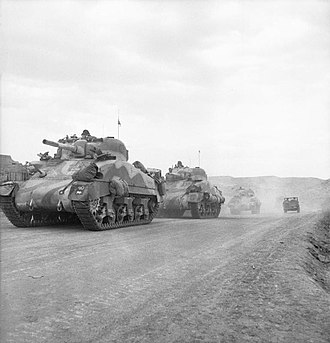 2nd Dragoon Guards (Queen's Bays) - The Queen's Bays (2nd Dragoon Guards) advance through the Gabes Gap, Tunisia, 7 April 1943