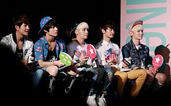 Shinee at the MStar in Taiwan on August 2013 05.jpg