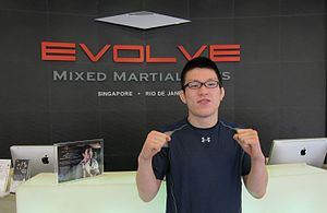 Shinya Aoki - Image: Shinya Aoki at Evolve MMA in Singapore